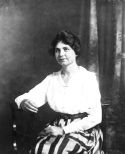 Minnie Lee Lawrence