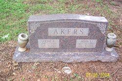 John Lee Akers
