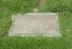 Maj Dwight William Reilly Sr.