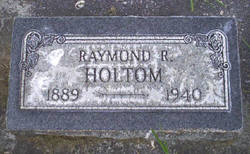 Raymond R Holtom