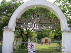 Cementerio Mexicano De Maria De La Luz