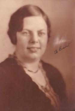 Dorothy Jane <I>Sperry</I> Holladay