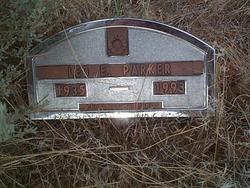 Leo E Parker