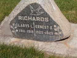Ernest E Richards