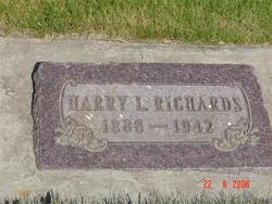 Harry L Richards