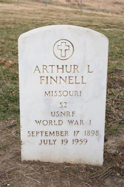 Arthur L Finnell
