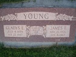 Gladys Edith <I>Davie</I> Young