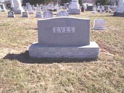 Sarah Eves