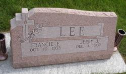 Jerry J Lee