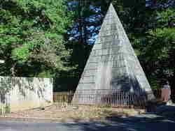 A R S Hunter Pyramid