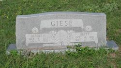 "Bertha ""Betty"" <I>Burreson</I> Giese"