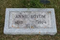 "Anna ""Annie"" <I>Huseby</I> Boyum"