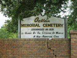 Oaklawn Memorial Cemetery
