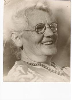"Pauline ""Bessie"" <I>Gurevitch</I> Witkin"