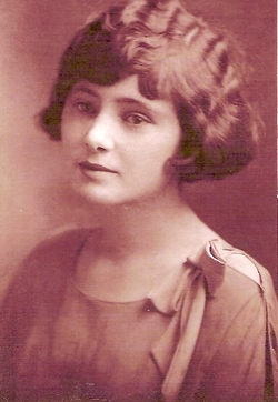 Nellie Edna <I>Towle</I> DeGolyer