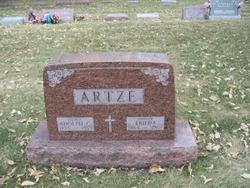 Frieda Artze