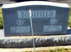 "Dr Howard ""Mack"" Bonifield"