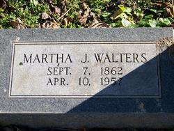 Martha J Walters