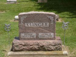 Susan <I>Hollenbaugh</I> Klinger