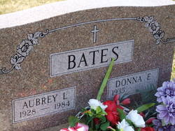 Donna E <I>Tolliver</I> Bates