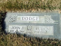 Ruth E. <I>Sager</I> Dodge