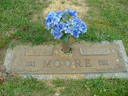 Selfie M. Moore