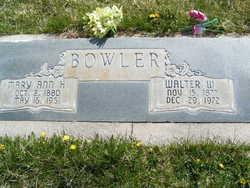 Walter Wallace Bowler