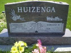 Shirley <I>Moseng</I> Huizenga