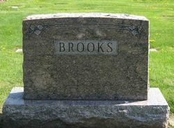 Earl Brooks