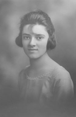 "Mildred Evelyn ""Mil"" <I>Shelley</I> Hillard"