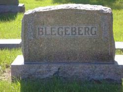 """Jórun """"Jane"""" <I>Bakken</I> Blegeberg"""