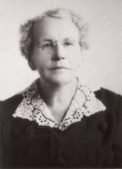 Bertha Louise <I>Payne</I> Domina