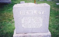 "Shella Gertrude ""Shelly"" <I>Miller</I> Bewley"