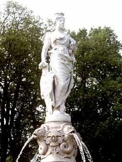 Poppa 'Duchess of Normandy' De Valois