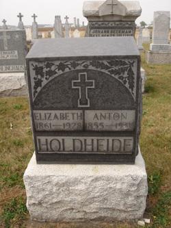 Elizabeth <I>Goettemoeller</I> Holdheide