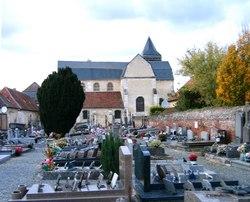 Arsy Churchyard