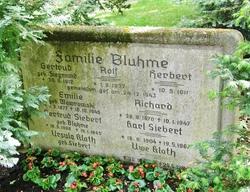 Emilie <I>Wawrowski</I> Bluhme