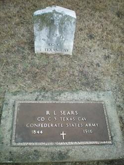 Pvt Robert L. Sears