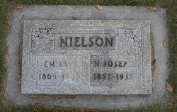 Emma E Nielson