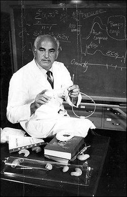 Dr Adrian Kantrowitz