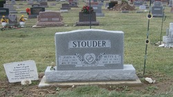 Betty L <I>Campbell</I> Stouder