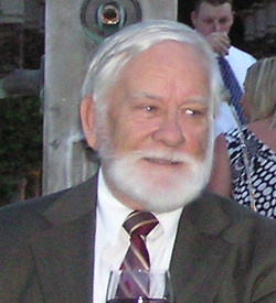 Larry Vahl