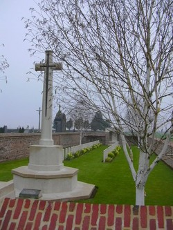 Le Quesnel Communal Cemetery