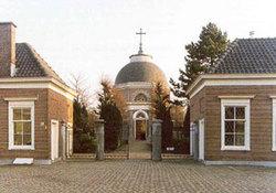 Sint-Petrus Banden Roman Catholic Cemetery