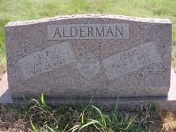 Pearl <I>Christopher</I> Alderman
