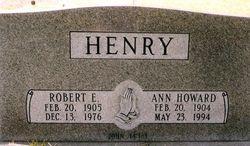"""Robert E """"Bob"""" Henry, Sr"""