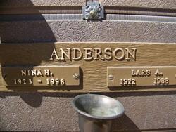 Nina H Anderson