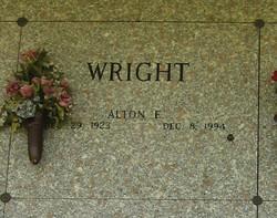 Alton E Wright