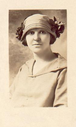 Ell Nora <I>Jones</I> Halliwell