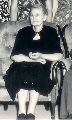 Leona 'Lee' <I>Lynn</I> Cunningham